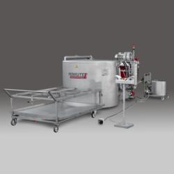 Clean-o-mat SP-2T von PERKUTE - die effiziente Toplader Teilereinigungsanlage mit zwei Tankanlagen.