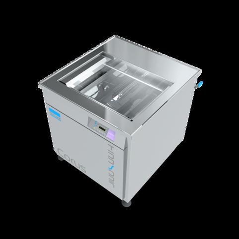 Effiziente Ultraschallreinigungsanlage Corus von FinnSonic für die kostengünstige Instandhaltunsreinigung in der industriellen Teilereinigung